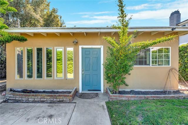 2133 Orange, Costa Mesa CA: http://media.crmls.org/medias/6d2d0182-7e71-4ba5-92fe-0e158a995d73.jpg
