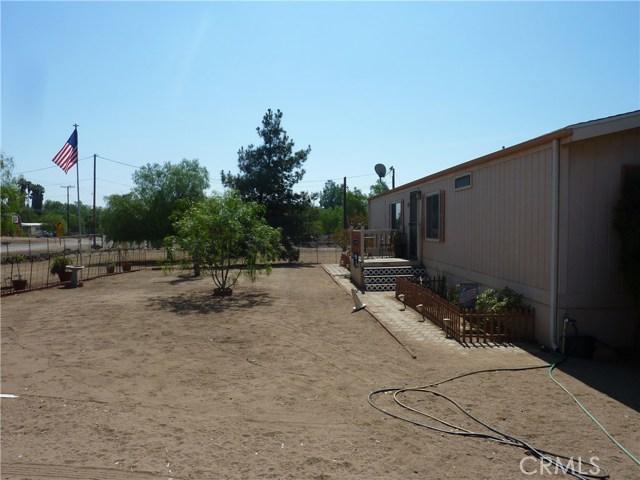 20795 Santa Rosa Mine Road, Perris CA: http://media.crmls.org/medias/6d2f6c6a-e53c-4270-b4ea-7eab8a6c5df6.jpg