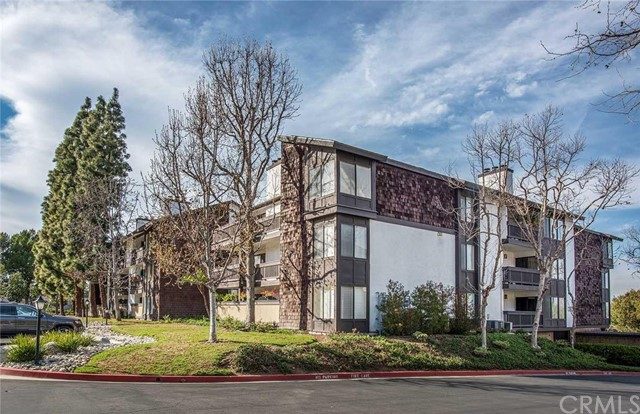 2516 East Willow Street 301 Signal Hill, CA 90755 is listed for sale as MLS Listing PW16040823