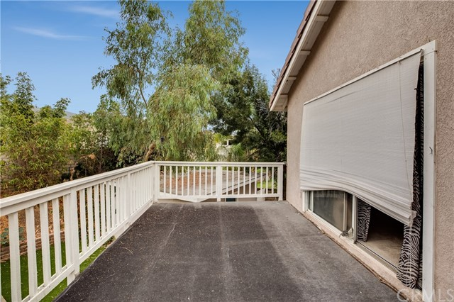 13585 Country Creek Court, Yucaipa CA: http://media.crmls.org/medias/6d4ac0fb-965f-41ad-a49a-916f7656cd69.jpg