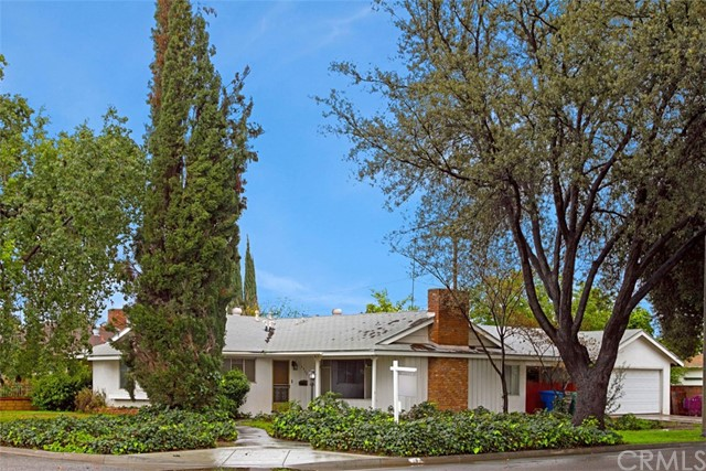 5462 Scott Avenue Riverside, CA 92504 is listed for sale as MLS Listing IV17015298