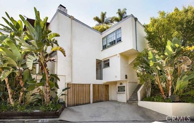 9315 Lloydcrest Drive  Beverly Hills CA 90210