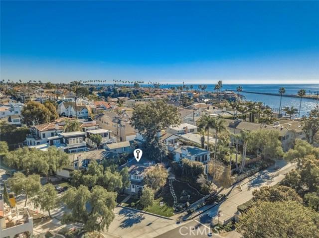 2201 Waterfront Drive, Corona del Mar CA: http://media.crmls.org/medias/6d6888c0-d92b-411a-bd4d-510dbb71a6f2.jpg