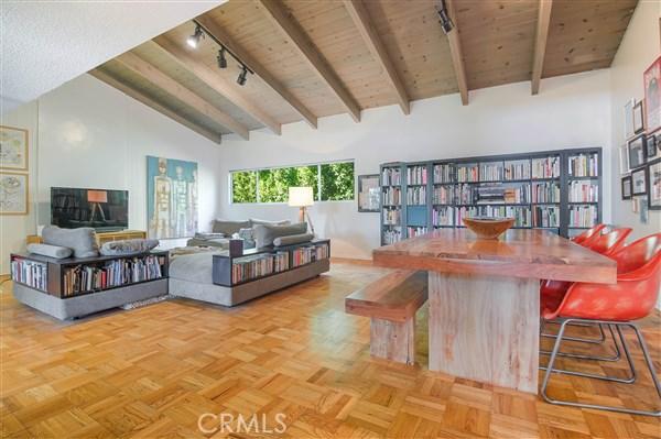 独户住宅 为 销售 在 395 Huntley Drive 西好莱坞, 90048 美国