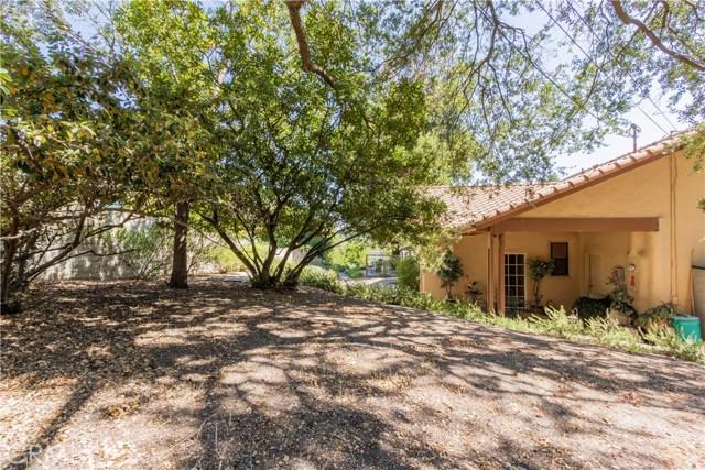 225 Crestline Drive, Paso Robles CA: http://media.crmls.org/medias/6d69c56a-c00d-41ee-b988-8677dd49c9bf.jpg