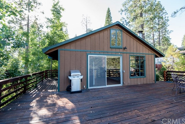 54791 Crane Valley, Bass Lake CA: http://media.crmls.org/medias/6d6cd364-97c5-432f-acaf-feb91cf8f574.jpg