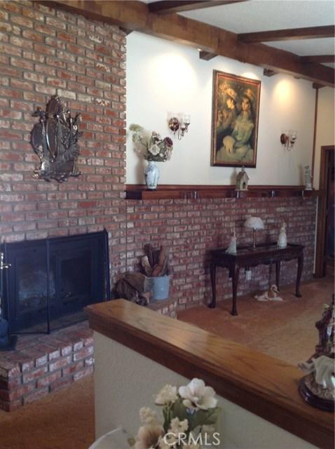 18580 Yuba Street, Hesperia CA: http://media.crmls.org/medias/6d81b5e5-9f3c-469d-bb91-5afed9bf5e5c.jpg