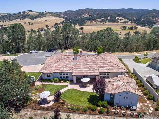 Additional photo for property listing at 9300 Via Cielo 9300 Via Cielo Atascadero, カリフォルニア,93422 アメリカ合衆国