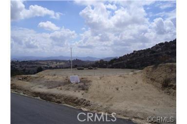 23447 Sky Mesa Road, Juniper Flats CA: http://media.crmls.org/medias/6d99b779-9b24-4d5d-abc5-d7dc23380624.jpg