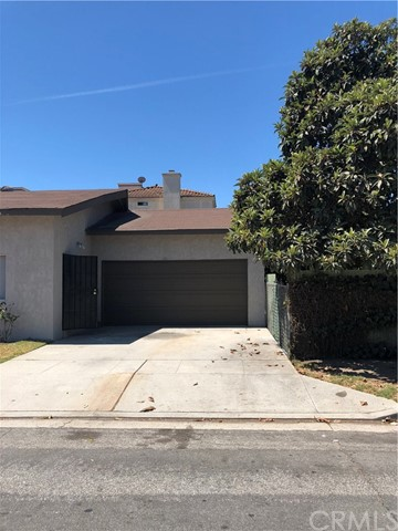 11027 Old River School Road, Downey CA: http://media.crmls.org/medias/6d9a2f2f-83fc-4885-a580-e818cb34cc22.jpg