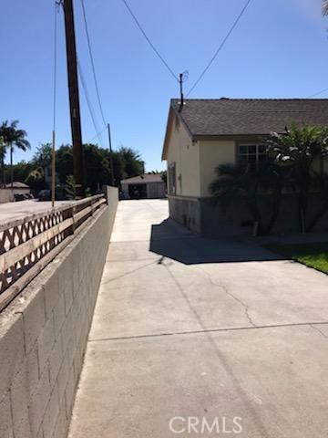 162 S 2nd Avenue, La Puente CA: http://media.crmls.org/medias/6db30325-6fac-4eeb-b02a-f964213ccdfc.jpg