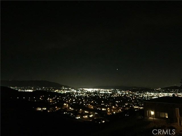 16832 Golden Bluff, Riverside CA: http://media.crmls.org/medias/6db32c63-da97-492f-bb95-180760d1bb11.jpg