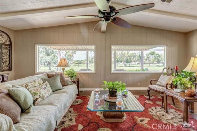 73450 Country Club Drive, Palm Desert CA: http://media.crmls.org/medias/6dbf11e6-cf89-4149-8bcd-5a84658a49fa.jpg