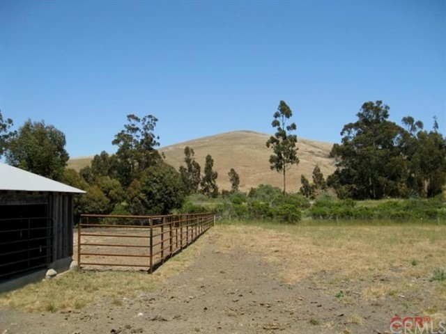 4010 Alapay Ranch Way, Harmony CA: http://media.crmls.org/medias/6dcf76c5-da7c-4db1-be86-4b9754f18a61.jpg