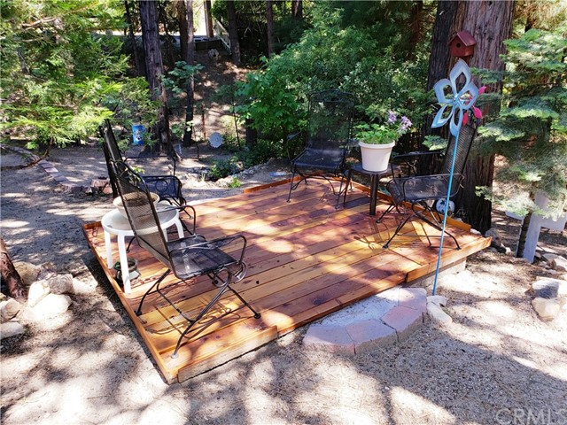 615 Pioneer Road, Lake Arrowhead CA: http://media.crmls.org/medias/6dd10ca5-7546-433f-9737-f9318f4cdeb3.jpg