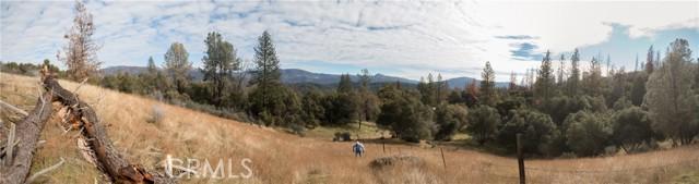 4907 Stumpfield Mountain Road, Mariposa CA: http://media.crmls.org/medias/6dd5cb3a-1d01-4750-ba38-13f81ac3cc19.jpg