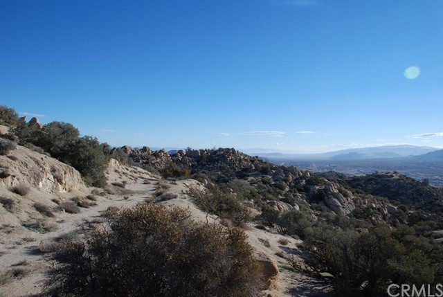 Additional photo for property listing at 6385 Paseo Los Ninos  Yucca Valley, California 92284 United States
