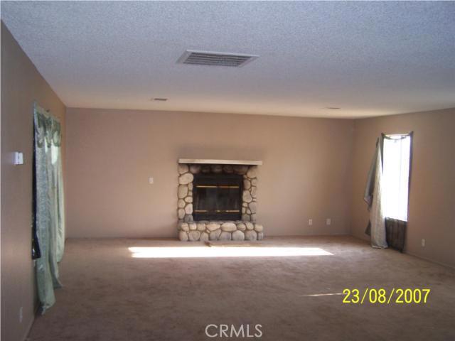 21112 Sitting Bull Road Apple Valley CA 92308