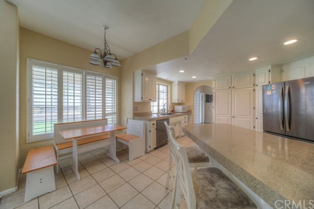 22549 Lighthouse Drive, Canyon Lake CA: http://media.crmls.org/medias/6de1a1f2-115a-4c0f-bf91-925fe8541c5b.jpg