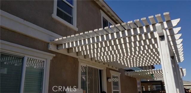 13223 La Crescenta Avenue, Oak Hills CA: http://media.crmls.org/medias/6de7843b-dcf3-4f4e-bb00-30c485685992.jpg