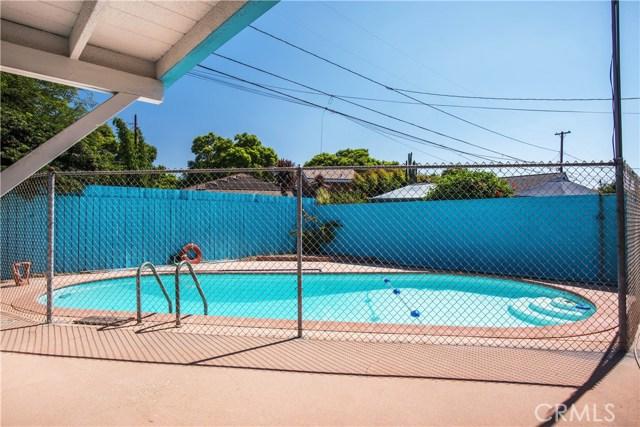 3542 N Los Coyotes Diagonal, Long Beach CA: http://media.crmls.org/medias/6df3765f-4ff2-4eef-80fa-a4fe495d0d22.jpg
