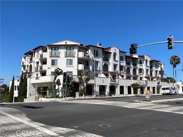2001 Artesia Boulevard, Redondo Beach CA: http://media.crmls.org/medias/6df6fefb-b211-430c-a0e3-5df0b107b4dc.jpg