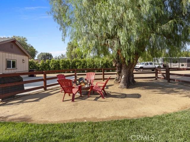 3563 Valley View Avenue, Norco CA: http://media.crmls.org/medias/6df76e94-104d-4dca-b026-e3525a5587fb.jpg