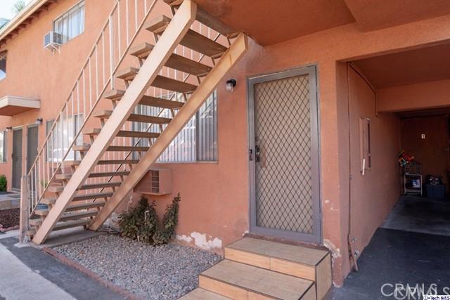 420 Ivy Street, Glendale CA: http://media.crmls.org/medias/6df9db4c-9e49-4d52-b61e-50bc94277cc6.jpg