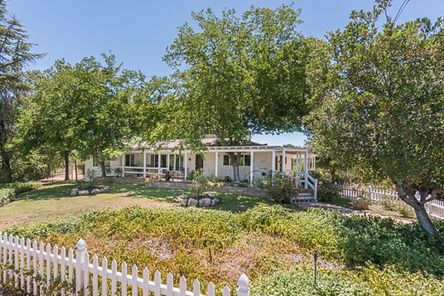 Property for sale at 9325 Chimney Rock Road, Paso Robles,  California 93446