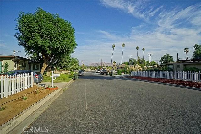 6555 Lemon Grove Avenue, Riverside CA: http://media.crmls.org/medias/6e0145ae-41fe-4724-9d66-3cf5971aa49d.jpg