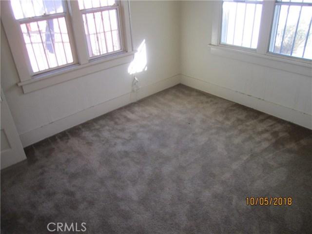 1844 West 38th Place, Los Angeles CA: http://media.crmls.org/medias/6e060e4f-69b5-41de-bd75-a1f01e57e8bc.jpg