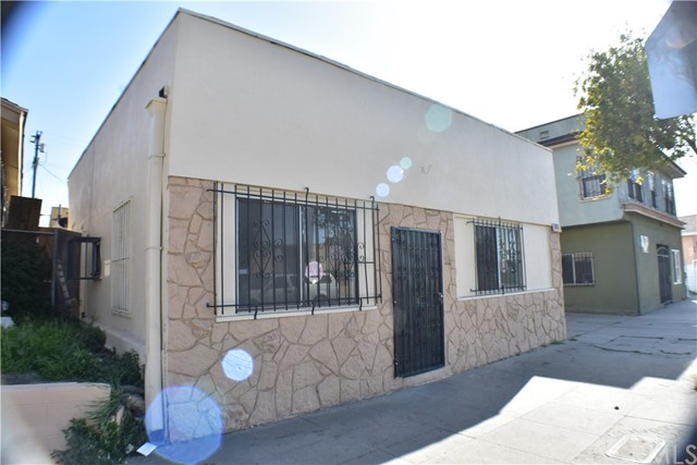 1324 W Florence Avenue Los Angeles, CA 90044 - MLS #: MB18087509