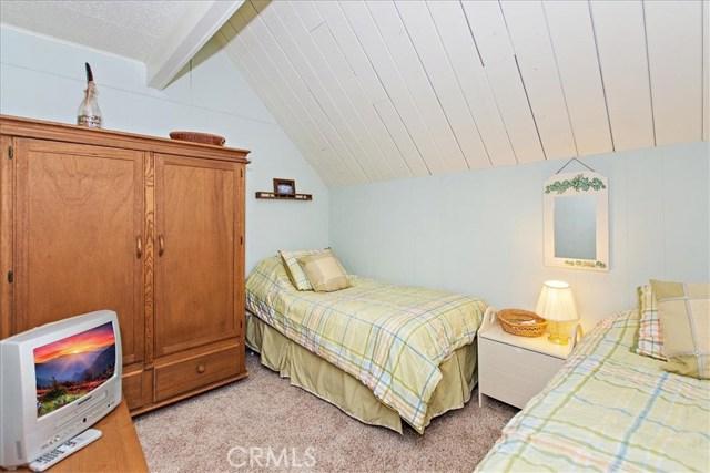 875 Brentwood Drive, Lake Arrowhead CA: http://media.crmls.org/medias/6e14818a-0b83-49c2-a846-7923764c12ba.jpg