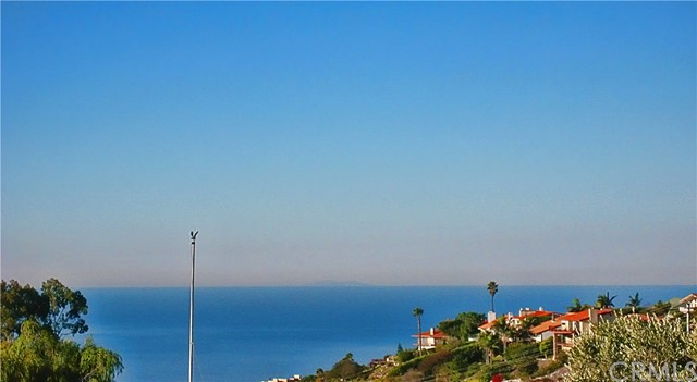 39 Sail View Avenue Rancho Palos Verdes, CA 90275 - MLS #: PV17225923