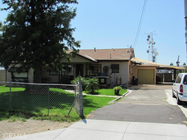 1368 N Maple Avenue, Rialto CA: http://media.crmls.org/medias/6e21fe22-5e01-4618-b6bd-cf5cf1ab19f4.jpg