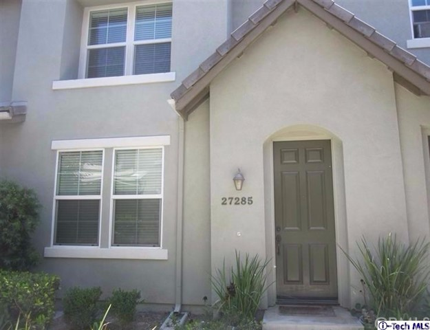 Townhouse for Rent at 27285 Blue Spruce Place Valencia, California 91354 United States