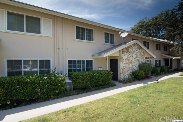 Townhouse for Sale at 3500 Manchester Boulevard W Inglewood, California 90305 United States