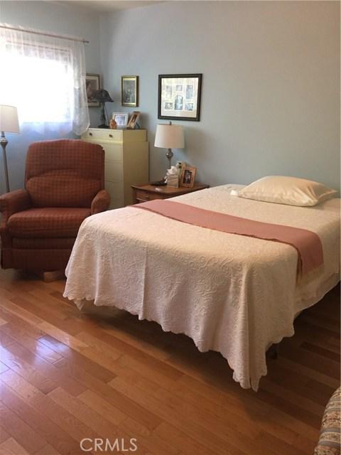 5027 Hayvenhurst Avenue, Encino CA: http://media.crmls.org/medias/6e421b9d-704e-428c-b70c-87a35b176f74.jpg