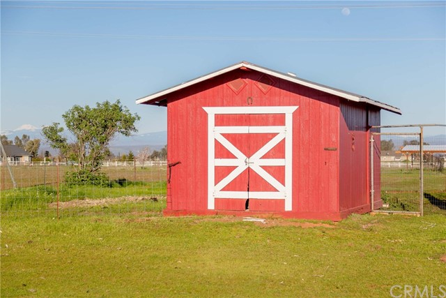 11630 Paskenta Road, Red Bluff CA: http://media.crmls.org/medias/6e446070-a8eb-41a3-8fdd-147282b36ce7.jpg