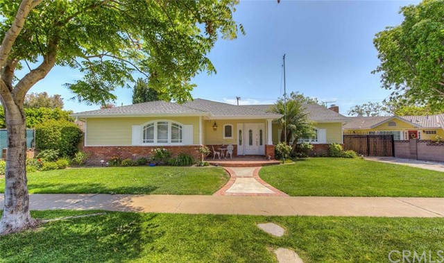 Single Family Home for Sale at 12082 Chianti St Los Alamitos, California 90720 United States