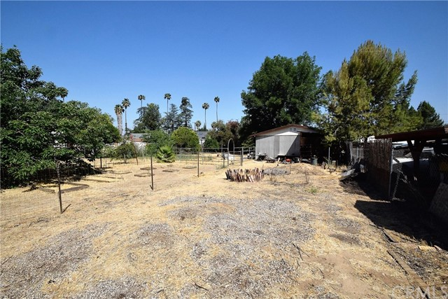 7354 Garden Street, Riverside CA: http://media.crmls.org/medias/6e6a1115-647e-4014-833d-8b87181008df.jpg