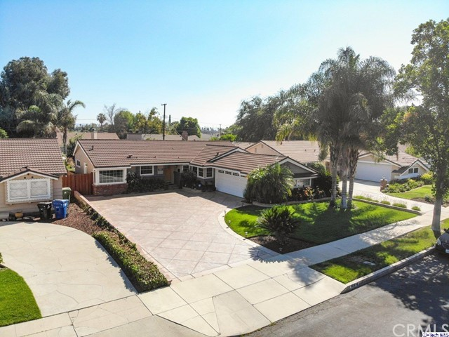 16816 San Jose Street, Granada Hills CA: http://media.crmls.org/medias/6e6b49d5-0310-4dc7-bed8-b7416109f7da.jpg