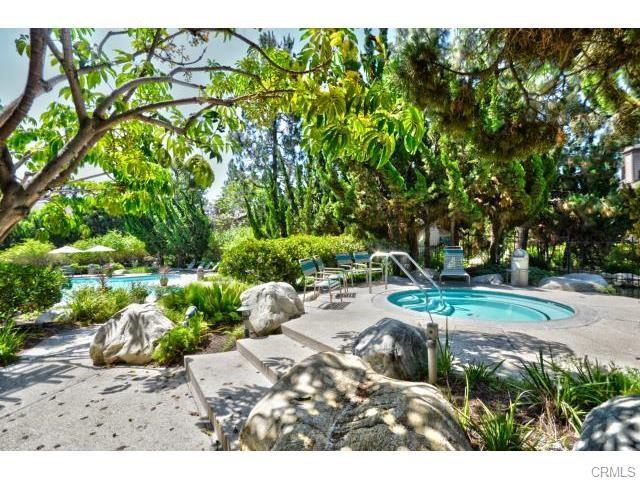 2526 W Macarthur Boulevard Unit A Santa Ana, CA 92704 - MLS #: OC18135856