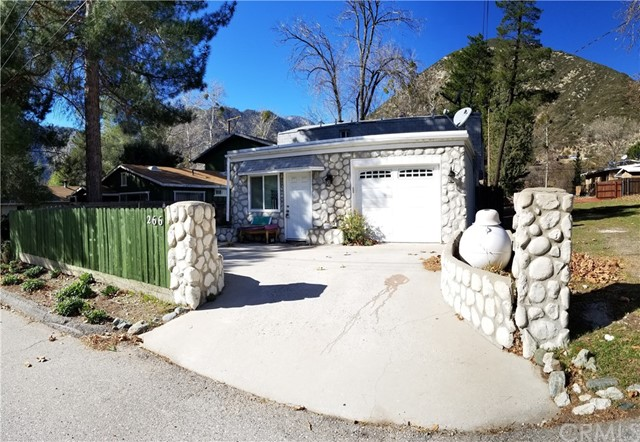 Single Family Home for Sale at 266 Alder Way 266 Alder Way Lytle Creek, California 92358 United States