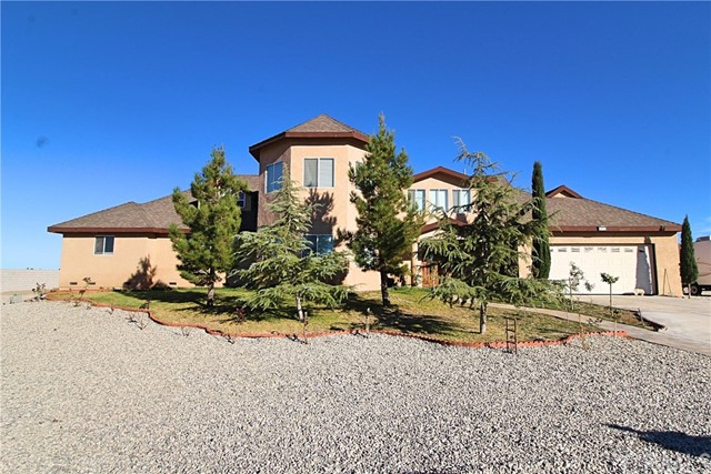 Single Family Home for Sale at 12471 Pine Tree Road 12471 Pine Tree Road Pinon Hills, California 92372 United States