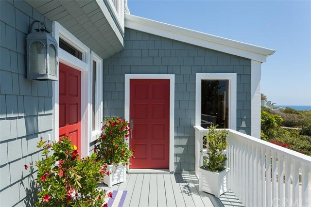 Single Family Home for Sale at 31522 Bluff Drive Laguna Beach, California 92651 United States