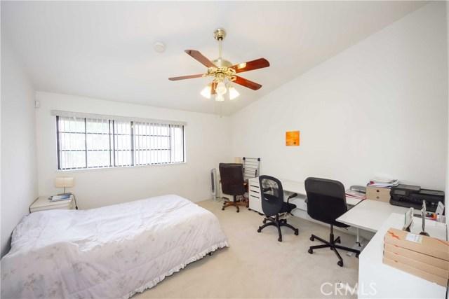 2311 Applewood Circle Unit 16 Fullerton, CA 92833 - MLS #: PW17222417