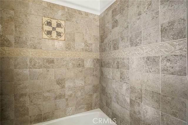 10000 Encino Avenue, Northridge CA: http://media.crmls.org/medias/6eb84872-faf1-4a36-8c42-e25a6cf1990d.jpg