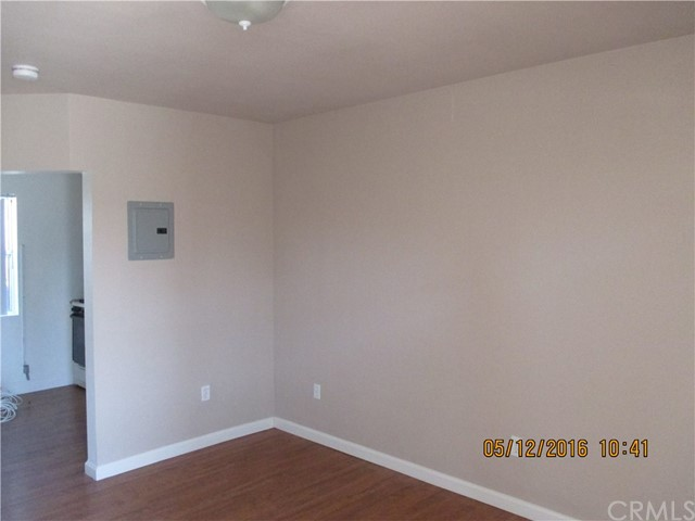 1012 W 109th Place Los Angeles, CA 90044 - MLS #: MB17110361