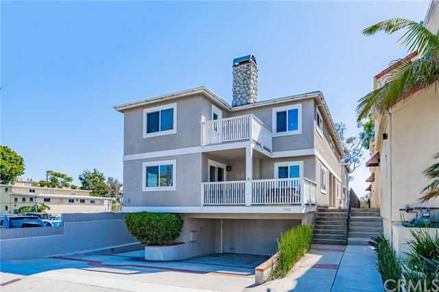 Detail Gallery Image 1 of 1 For 546 11th St A, Hermosa Beach, CA 90254 - 2 Beds | 2/1 Baths
